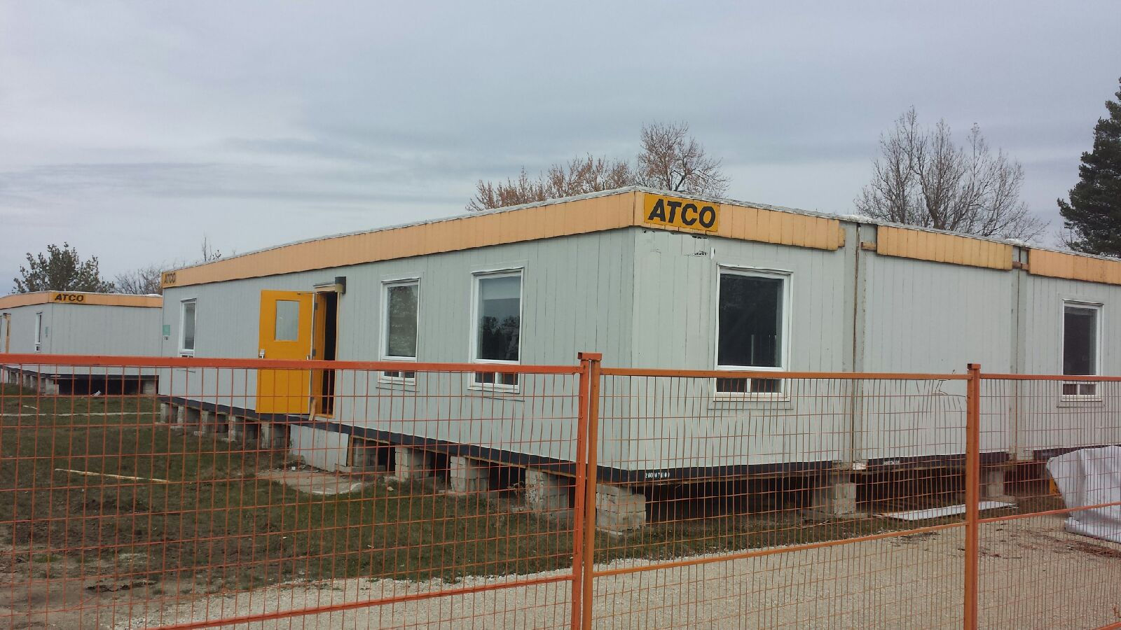 2100 sq ft portable building with washroom pic11